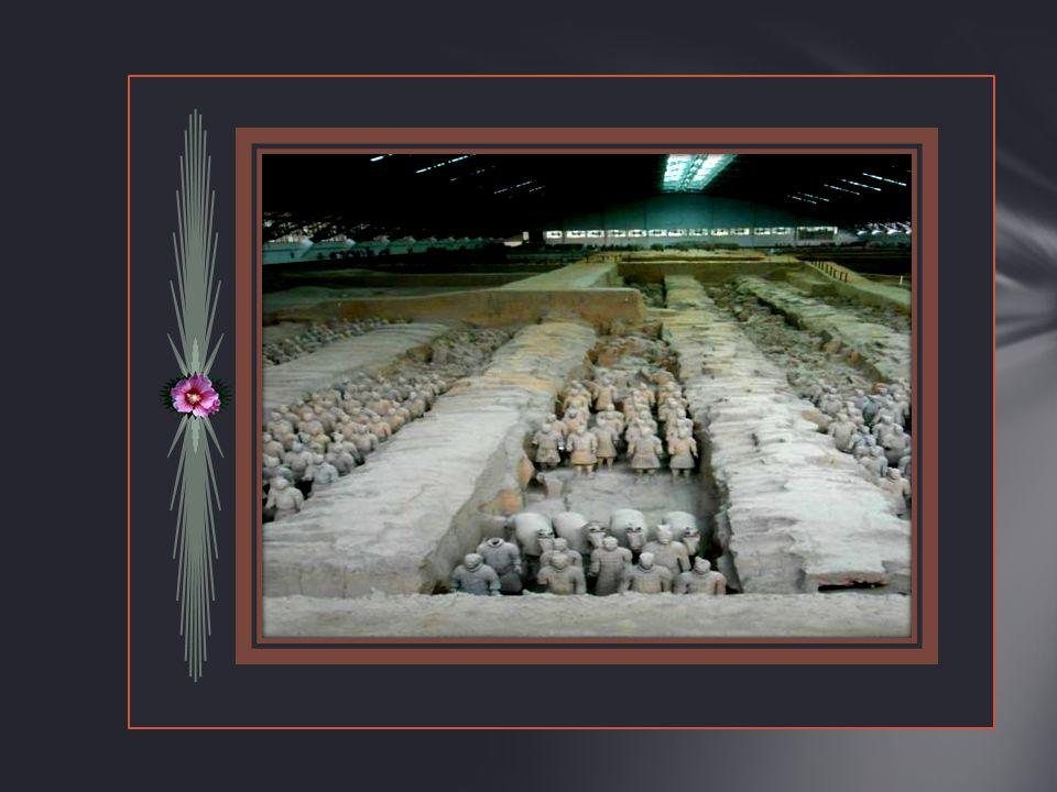Dit is een foto. Van de buitenkant Mausoleum Van Keizer Shi Huangdi