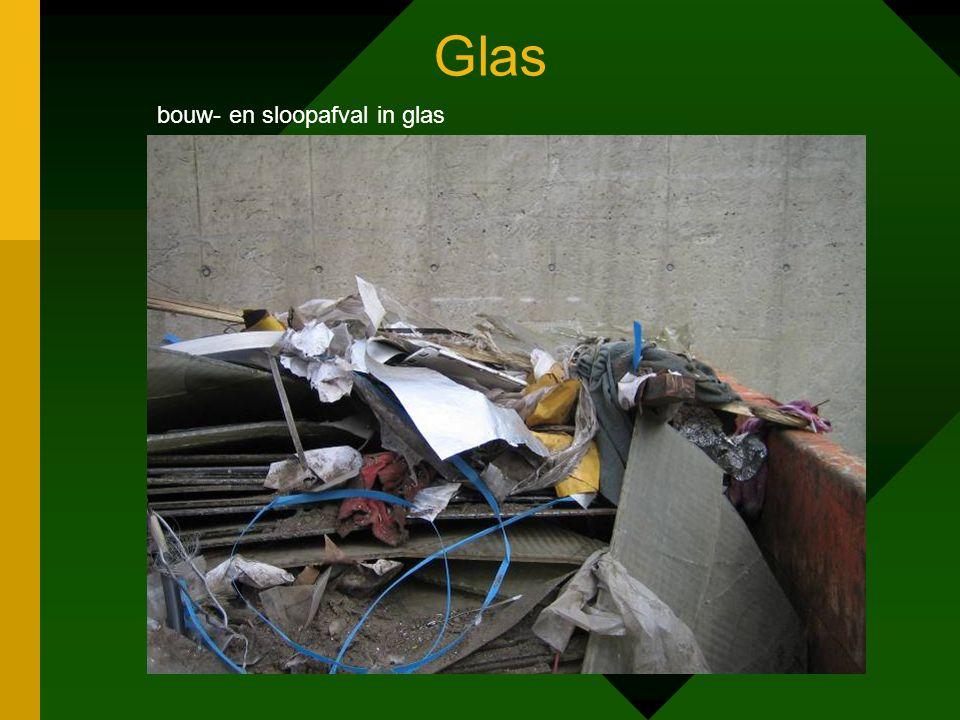Glas bouw- en sloopafval in glas