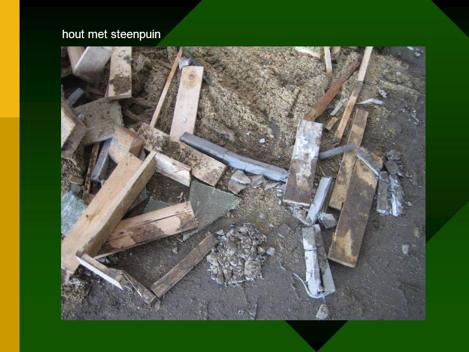 hout met steenpuin