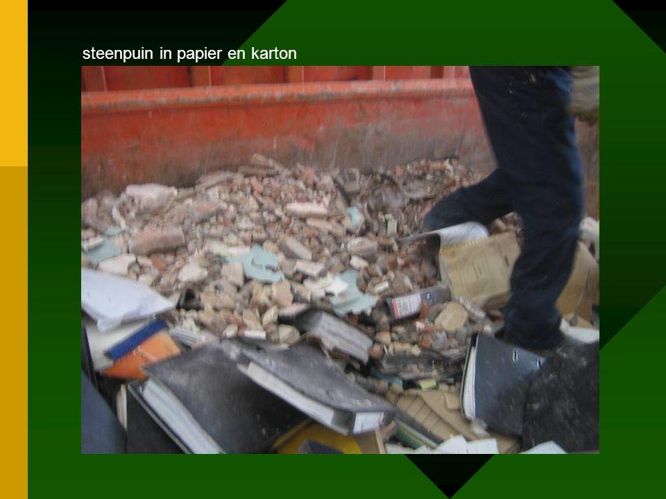 steenpuin in papier en karton
