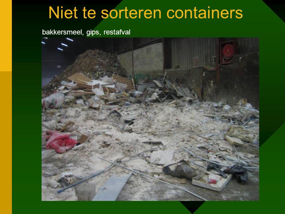 Niet te sorteren containers bakkersmeel, gips, restafval