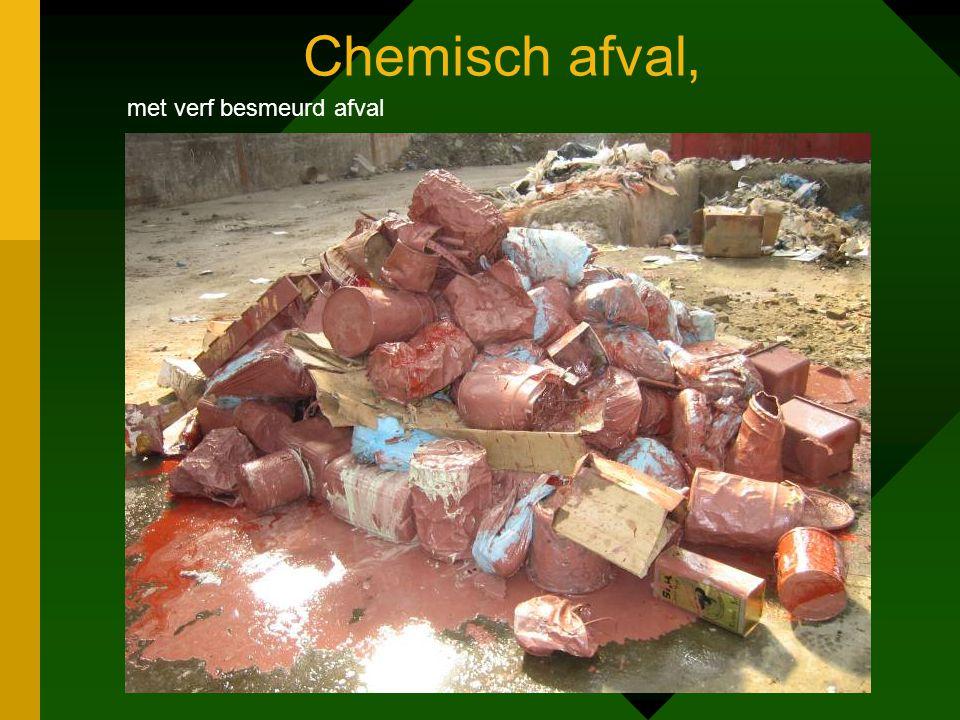 Chemisch afval, met verf besmeurd afval