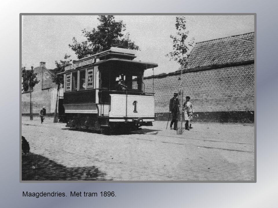 Looiersgracht met Ezelmarkt. 1960.