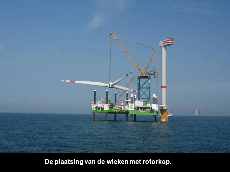 De tweede fase, Het plaatsen van de mast is beeindigd.