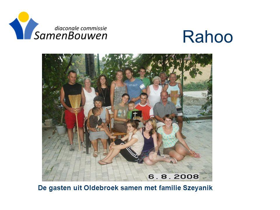De gasten uit Oldebroek samen met familie Szeyanik