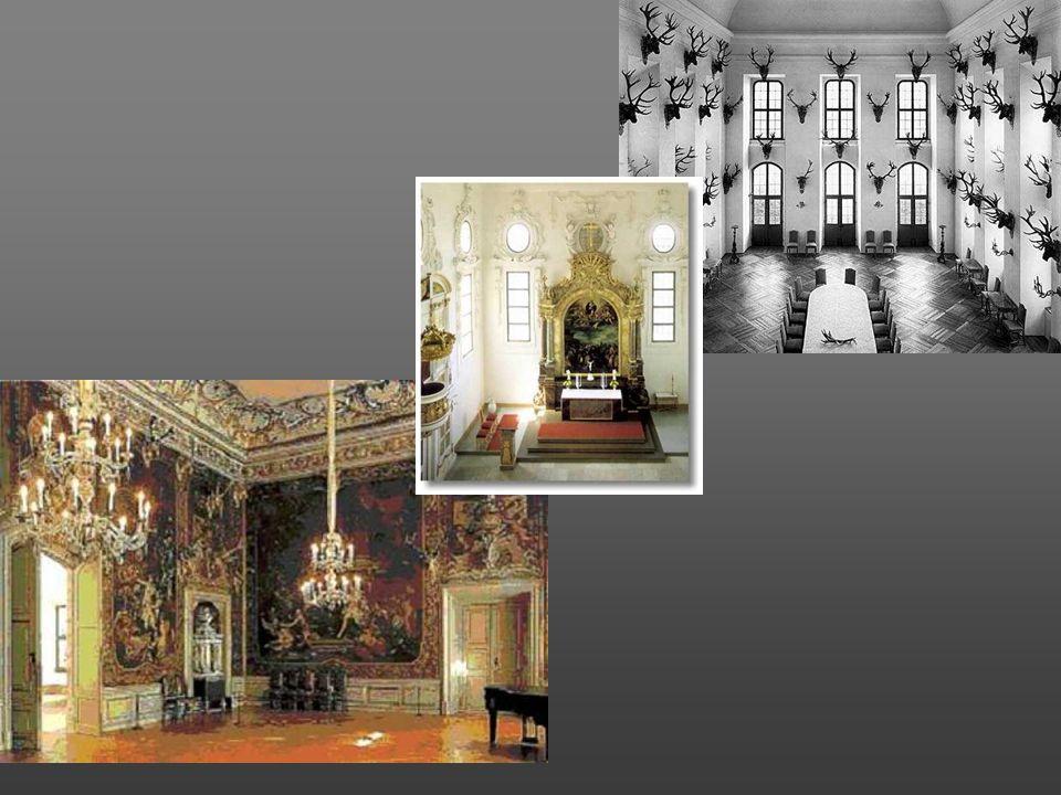Schloss Moritzburg. De kleuren van dit slot zijn okergeel en wit, de typische kleuren van het Saksische barok. Keurvorst hertog Moritz liet hier in de