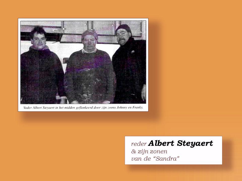 """Aalmoezenier Dirk Demaeght herdoopt de """"Sandra"""""""