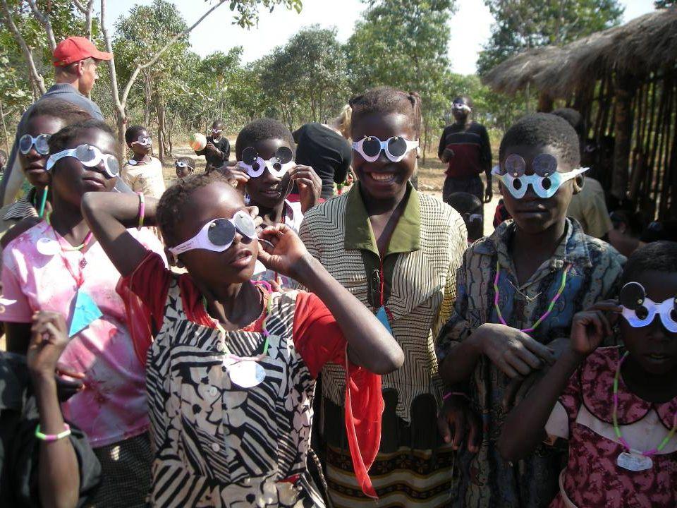 Zambia Sinds 1999 11 projecten ZA108 Nsalu kliniek & woning 16-23 jaar ZA208 Mwishala klaslokalen 16-23 jaar