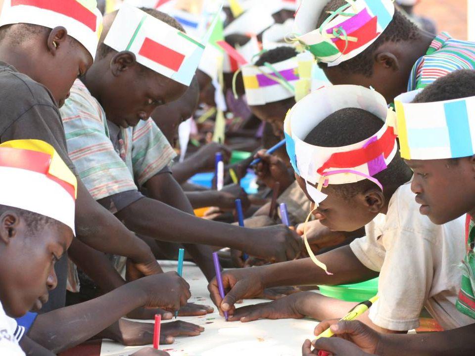 Malawi Sinds 2005 8 projecten MA208 Kamilaza klaslokalen & woningen 16-23 verdieping MA108 Kavipini klaslokalen & woningen 21-30 jaar MA308 Kasasanya klaslokalen & woningen De Pijler