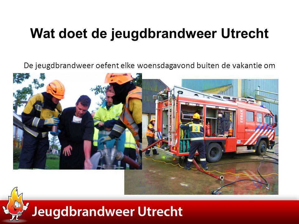 Wat doet de jeugdbrandweer Utrecht De jeugdbrandweer oefent elke woensdagavond buiten de vakantie om