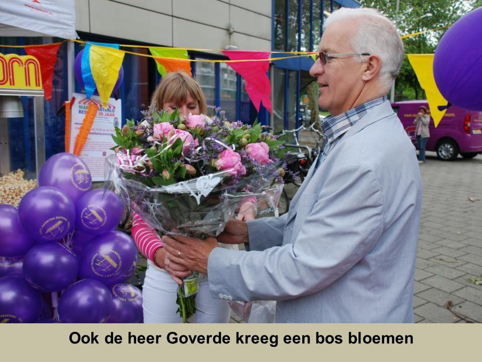 De heer van der Pols werd natuurlijk in de bloemetjes gezet