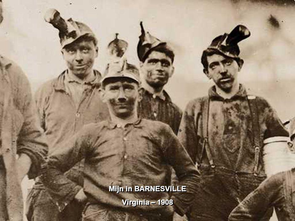 3 jonge paarden- en muilezelmenners in Virginia – 1908 Lampen met open vlam op hun helmen