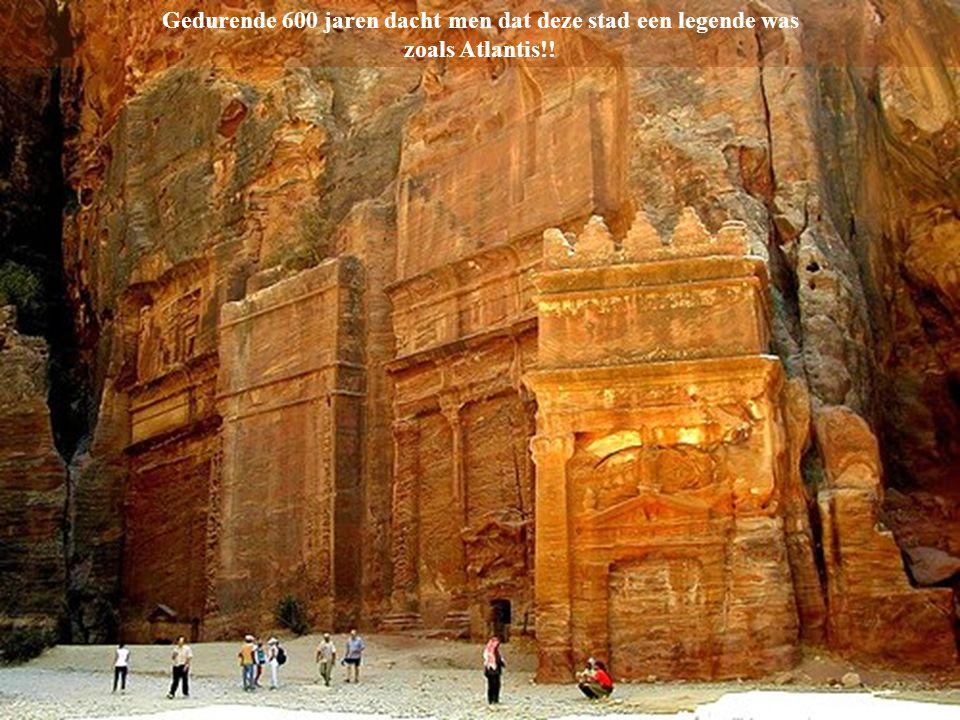 De stad Petra in Jordanie Een van de zeven wereldwonderen!