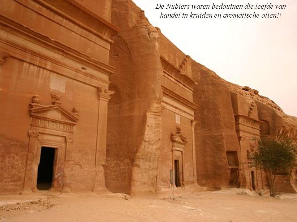 De Nubiers waren bedouinen die leefde van handel in kruiden en aromatische olien!!