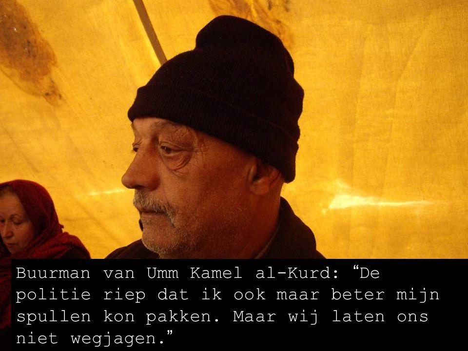 Umm Kamel al-Kurd (woont in Oost-Jeruzalem in een tent nadat zij door kolonisten uit haar huis was gezet): Vertel de wereld toch wat hier aan de hand is.