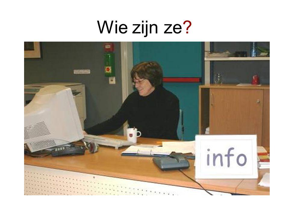 portret van een i-medewerker •De i-medewerker kan adviseren.