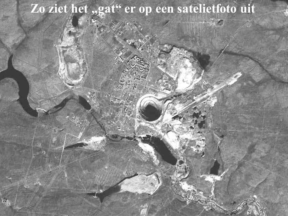 """Zo ziet het """"gat er op een satelietfoto uit"""