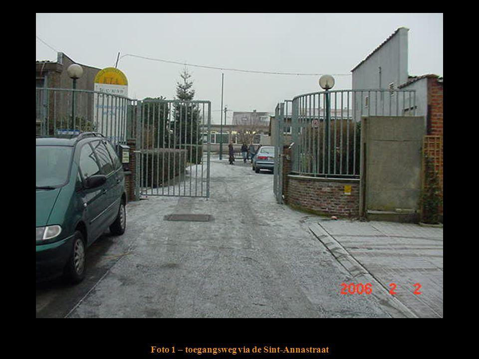 Foto 1 – toegangsweg via de Sint-Annastraat