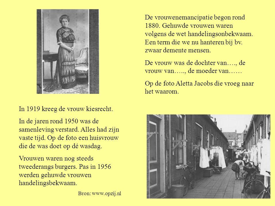 De vrouwenemancipatie begon rond 1880. Gehuwde vrouwen waren volgens de wet handelingsonbekwaam.