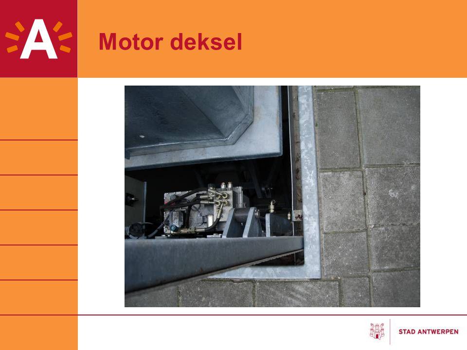 Motor deksel Nog foto gaan nemen ?? 19 maart 2007 Foto Bergen Op Zoom