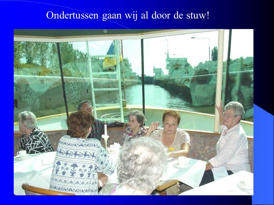 Marie van der Linden-van de Bool Nu volgen enkele foto's van personen op de boot.