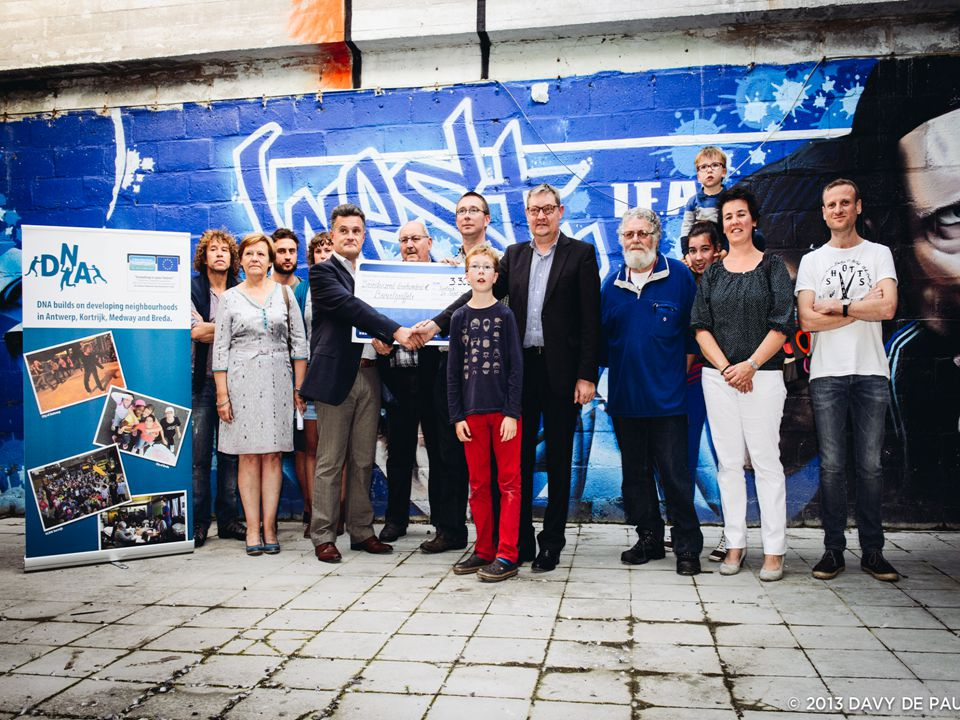 • = foto fintro cheque PP2 Kortrijk: Buurtveiligheid