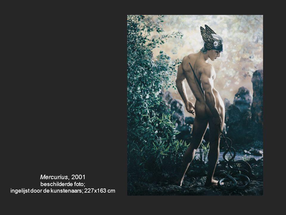Ophelia, 2000, 2012 model: Isabelle Huppert beschilderde foto, ingelijst door de kunstenaars; 78 x 113 cm
