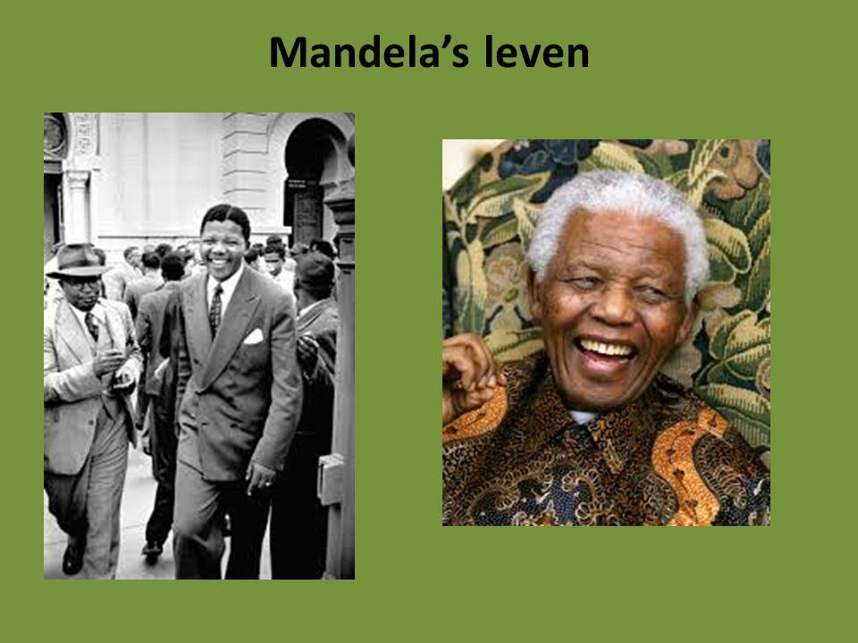 Mandela zat 27 jaar gevangen.Dat was omdat hij strijder was tegen apartheid.