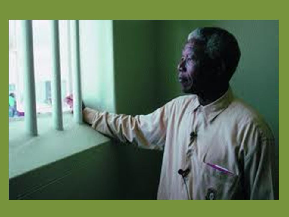Zuid-Afrika was een land met apartheid. In dat systeem werden niet- blanke mensen gediscrimineerd.