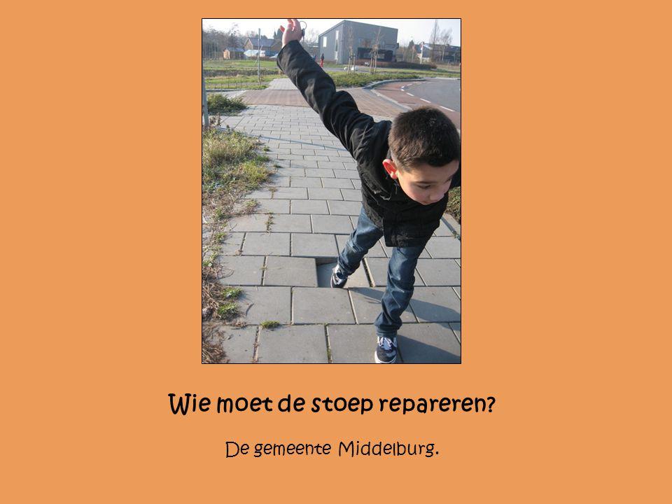 Wie moet de stoep repareren? De gemeente Middelburg.