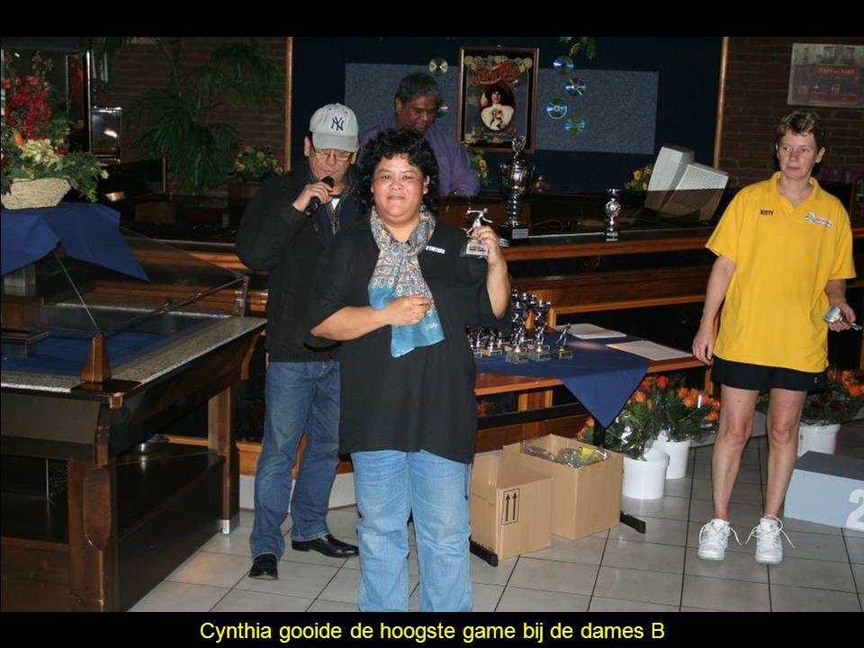 Cynthia gooide de hoogste game bij de dames B
