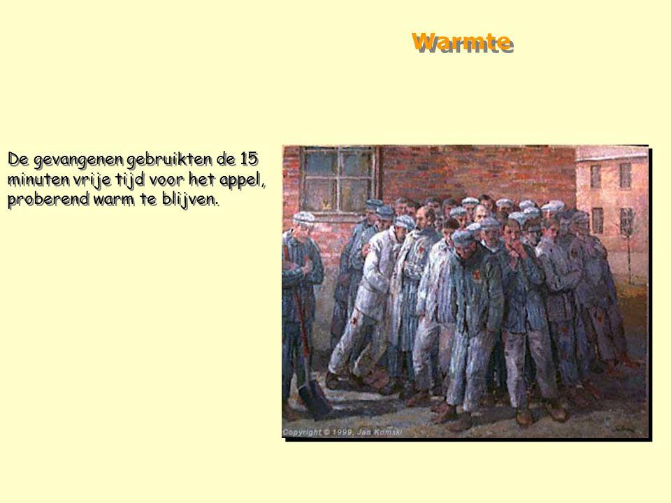 """""""Bijna bij elke blok liggen, naast de mannen die in de rij staan, dode lichamen. Dit zijn de slachtoffers van de nacht die niet bleven leven tot de vo"""