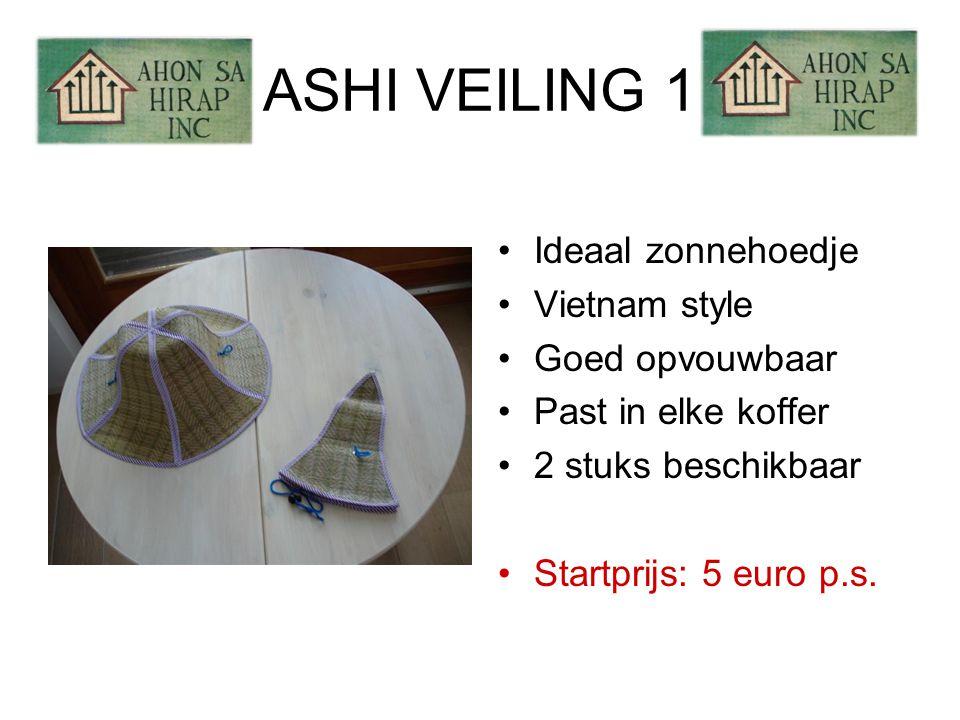 ASHI VEILING 2 •Leren tasje •Binnenvakje met rits •Zwart met hartje •Bruin met ster •Ideaal voor paspoort •2 stuks beschikbaar •Startprijs: 5 euro p.s.