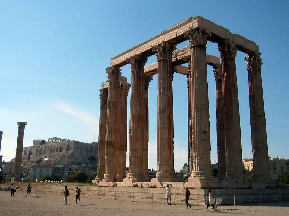  Hadrianus reisde veel. Was regelmatig in Athene.