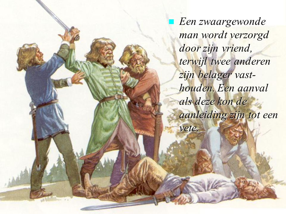 n Een zwaargewonde man wordt verzorgd door zijn vriend, terwijl twee anderen zijn belager vast- houden.