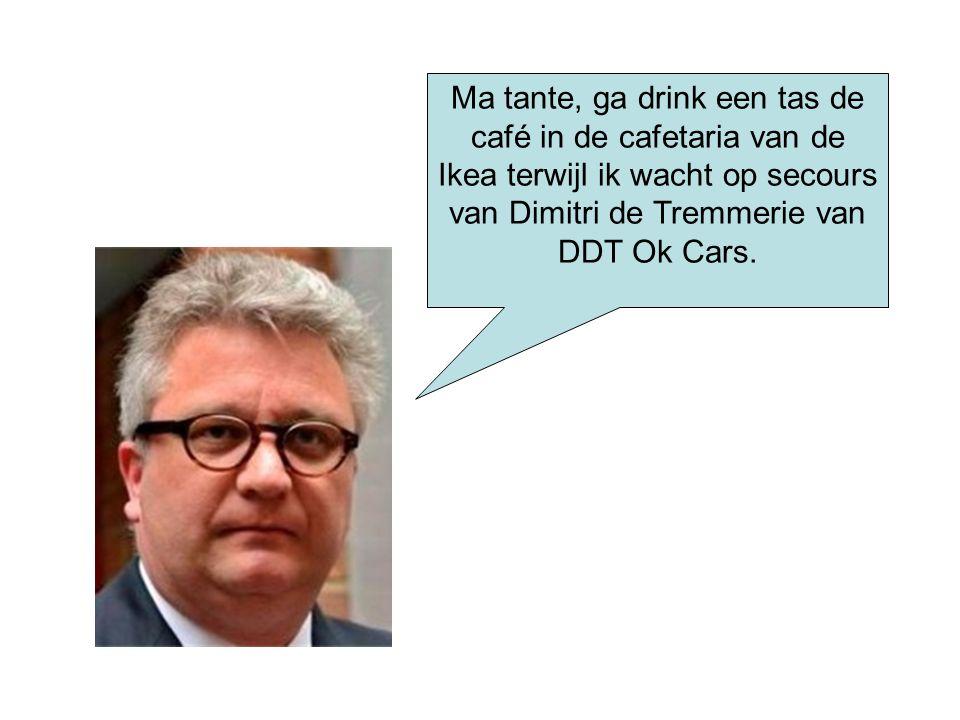 Ma tante, ga drink een tas de café in de cafetaria van de Ikea terwijl ik wacht op secours van Dimitri de Tremmerie van DDT Ok Cars.