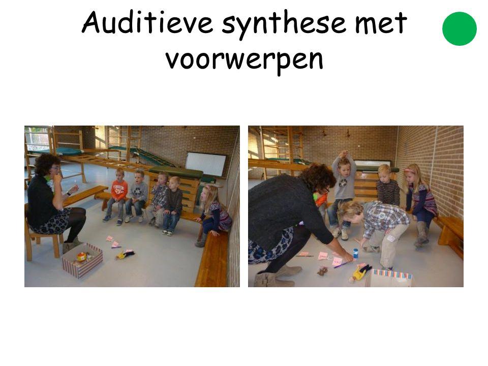 Auditieve synthese met voorwerpen