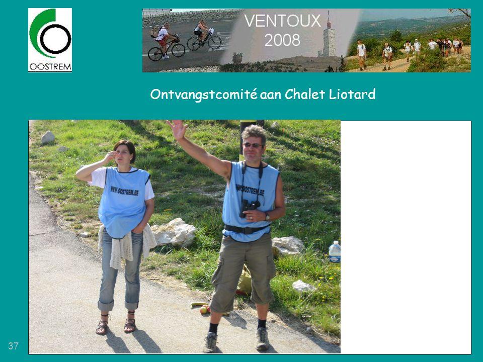 37 Ontvangstcomité aan Chalet Liotard
