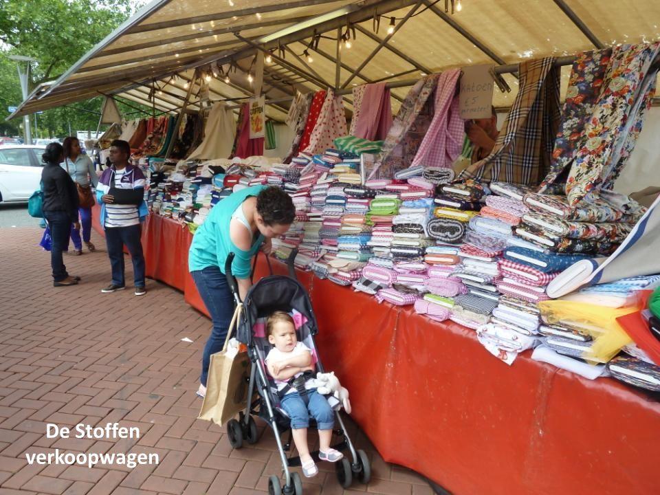 Kleinvak artikelen op de markt Hoogvliet, o.a.ritssluitingen, garen en band wat je nauwelijks of niet meer in de winkel kan kopen