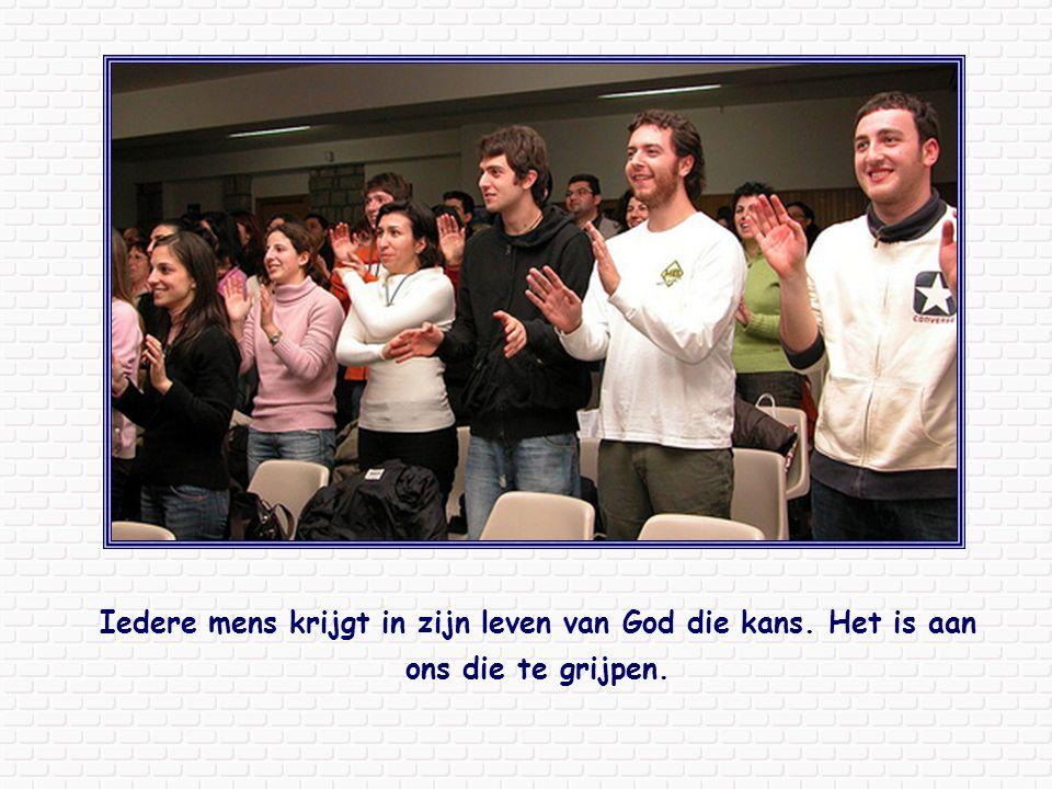 Wie Jezus wil volgen kijkt ook met die ogen van het geloof en weet dat hij erop mag rekenen dat hij deelgenoot wordt van het rijk van God als hij alles, op z'n minst in geestelijke zin, achterlaat.