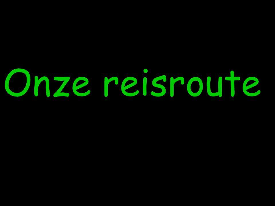 Praktische mededelingen •Handige dingen: –Reiswekker –Portemonnee om onder je trui te hangen –Fototoestel –Kussen voor op de bus –Kleingeld om drank te kopen op de bus –Schrijfgerief, enveloppen, adressen,… –Italiaanse stekker