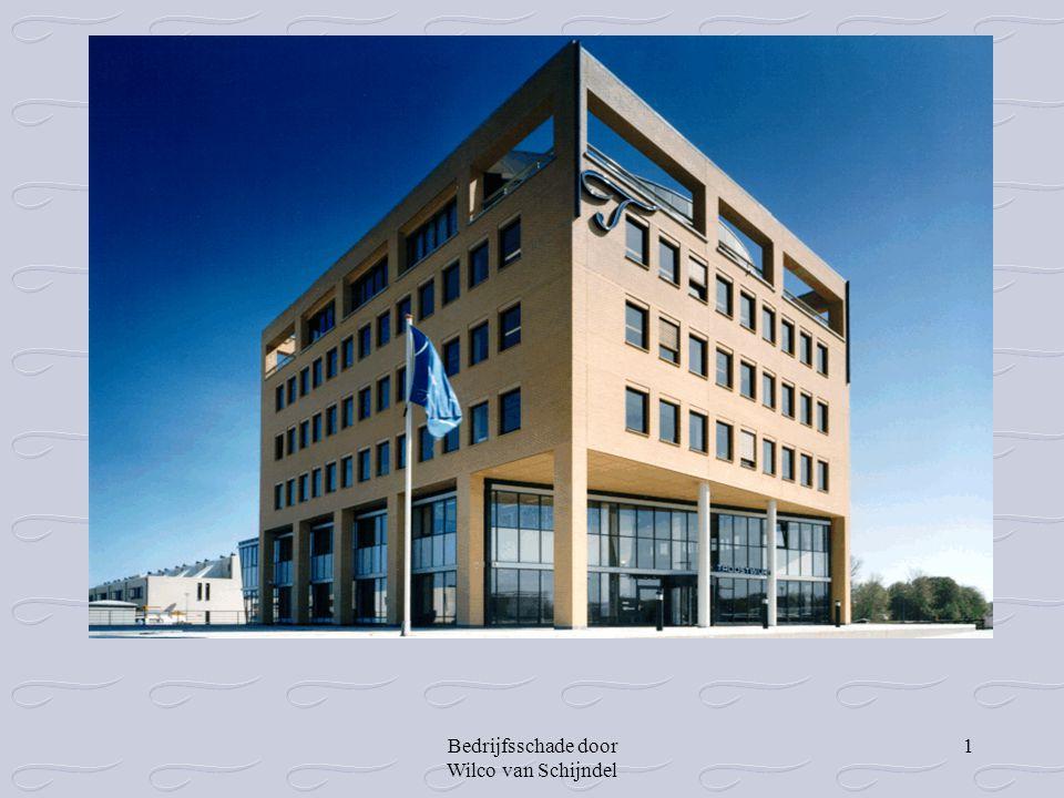 Bedrijfsschade door Wilco van Schijndel 2 Bedrijfsschade, ofwel de gevolgen van een calamiteit op de bedrijfsvoering Door Drs.Wilco van Schijndel RA Troostwijk Expertises