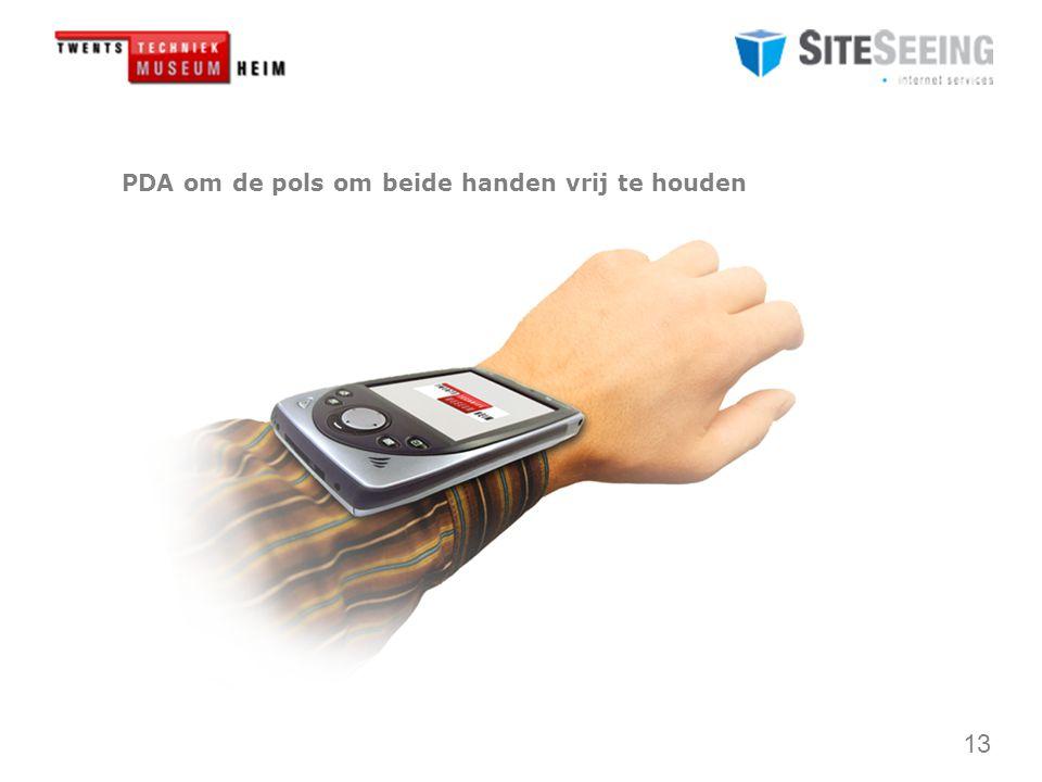 13 PDA om de pols om beide handen vrij te houden
