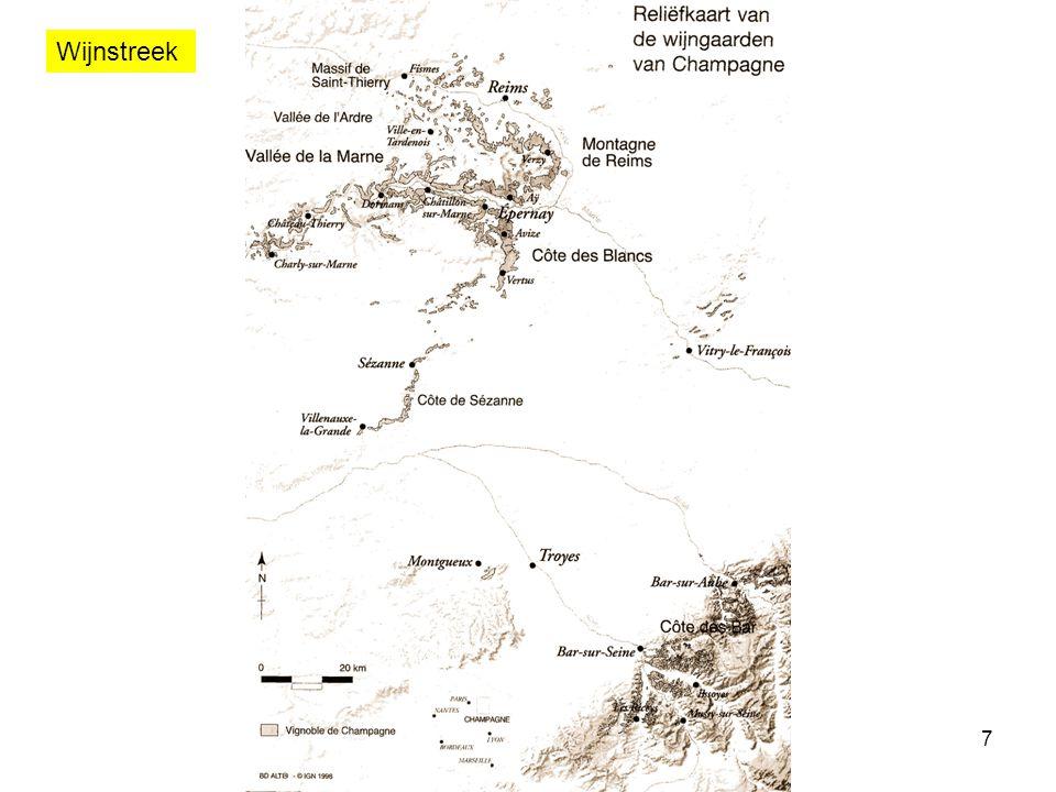 8 Klassering Echelle des crus KlasseScoreAantal gemeenten Deel van de totale oppervlakte Grand Cru100%1714,0% Premier Cru90% – 99%4117,9% /80% – 89%26168,1% Totaal319100,0%