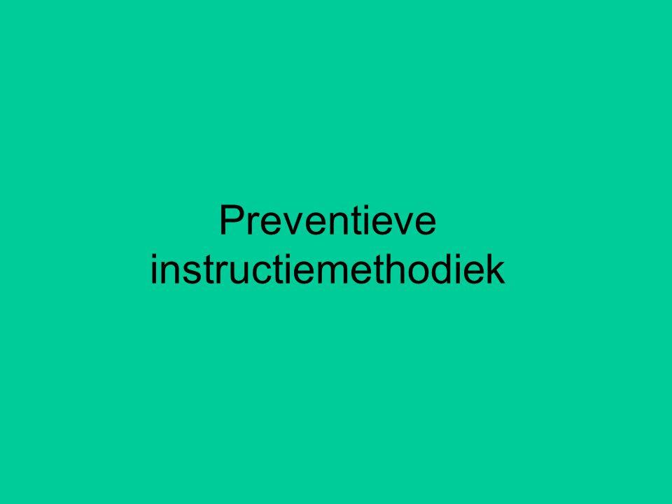 Voortgezet spellen •Elke dag auditief dictee als inoefenstrategie •Vooraf oriënteren en meteen aansluitend nabespreken •Blijven herhalen van eerder aangeleerde categorieën