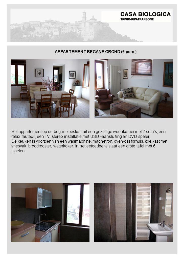 APPARTEMENT BEGANE GROND (6 pers.) Het appartement op de begane bestaat uit een gezellige woonkamer met 2 sofa's, een relax-fauteuil, een TV- stereo-installatie met USB –aansluiting en DVD-speler.