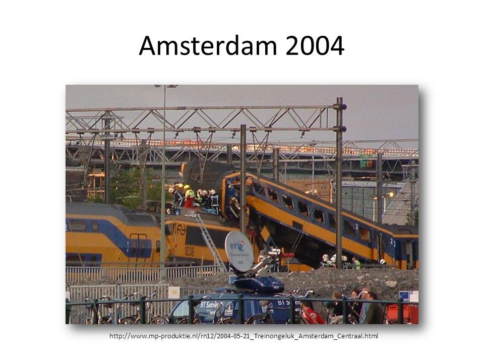 Amsterdam 2004 http://www.mp-produktie.nl/rn12/2004-05-21_Treinongeluk_Amsterdam_Centraal.html