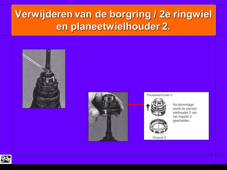 Verwijderen van de borgring / 2e ringwiel en planeetwielhouder 2.