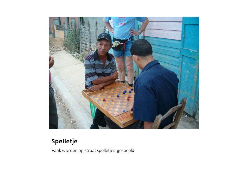 Spelletje Vaak worden op straat spelletjes gespeeld
