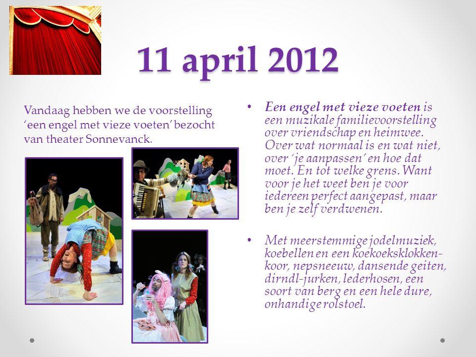 4 april 2012 Vandaag oefenen we 'spotlight, camera, microfoon' en dit liedje zit er al heel snel in, zó knap!